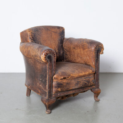 Sheepskin Club The Art of Falling Apart patina beautiful armchair sheeps-leather character charisma Cambridge York easy chair wear tear worn decorative wood legs vintage retro classic conservative style seating