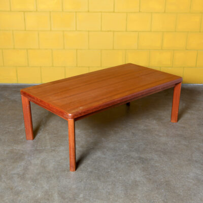 -Coffee-table-solid-wood-teak-Dyrlund-Denmark-50s-60s-vintage-Danish-mid-century