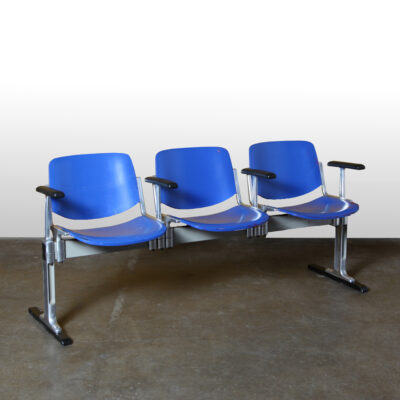 -Castelli-Piretti-Axis-3000-bench-3-seater-armrests-Giancarlo-Italy-70s-cast-aluminum-blue-vintage