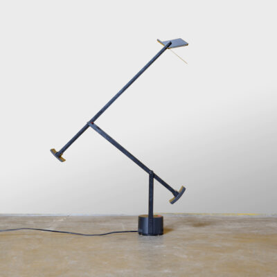 -Tizio-Desk-Lamp-Richard-Sapper-Artemide-LED-3000K-Italy-Modern-design-plastic-black-pivot-weight-Balance
