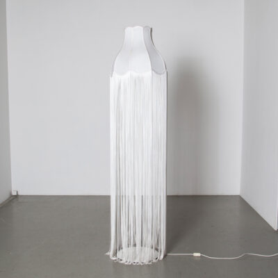 Floor Lamp with extremely long tassels Marcel Wanders Studio Moooi white Everything old is new again modern contemporary droog dutch design twenty-tens 2010s string E27 retro light rain effect shade