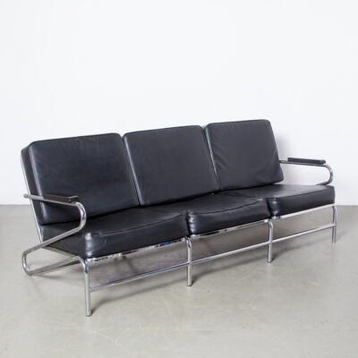 Bauhaus inspired chrome tube couch sofa black skai vinyl cushions chromed tubular frame zigzag sides solid wood armrest art deco streamlined german modernism 1930s thirties style retro seating