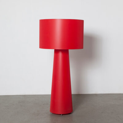 Cappellini Big Shadow Marcel Wanders Moooi floor lamp middle model LOVE light red black cable E27 fitting metal bar frame tapering shade charismatic form function design Dutch secondhand free-standing diffused lighting fixture contemporary modern