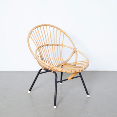 Rohé Noordwolde Rattan Chair bamboo circle reed bindings black metal base white feet two overlapping fifties 50s 1950s vintage retro brocante dutch design mid-century modern armchair seating small child size