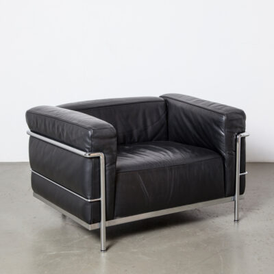 LC3 armchair Le Corbusier Cassina original authentic licensed labeled signed numbered Pierre Jeanneret Charlotte Perriand cube cage square easy lounge chair polished chrome-plated steel tubular frame chrome tube black leather cushions reversible vintage retro mid-century modern rationalism