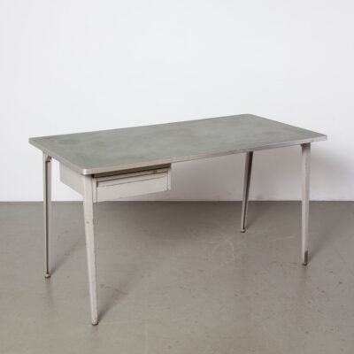 Reform Desk Friso Kramer Ahrend De Cirkel table work bureau drawer green linoleum top grey folded sheet steel legs tube cross-member aluminium edging Dutch Design patina 50s 1950s fifties vintage retro industrial mid-century modern