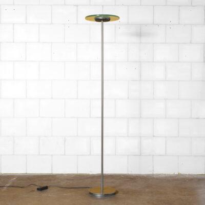 Напольный светильник Aureola Halo Cini & Nils Италия толстая стеклянная пластина с подсветкой металлический патрон темно-серого антрацита диммер галогенная лампа матовая хромированная основа колонны литой алюминий простая элегантность постмодерн 80-е 1980-е XNUMX-е