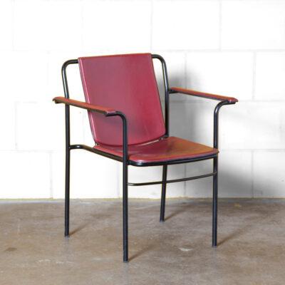 Кресло для кино Марио Маренко Полтрона Фрау Италия красная кожа черная эпоксидная металлическая трубка рама штабелирование конференц-зал кресла офис тонкий элегантный величественный постмодерн 80-е 1980-е