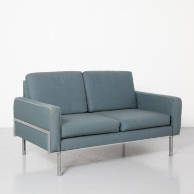 Blue Two-Seater Sofa Florence Knoll parallel bar style Couch Artifort woven fabric brushed aluminium legs frame bolted together squared rectangular cushions seat elements armrests reversible vintage retro mid-century modern 60s 1960s sixties seating