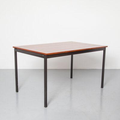Gispen 확장 테이블 3707 afrormosia 베니어 아프리카 티크 블랙 숯 분말 코팅 사각 스틸 튜브 프레임 다리 망원경 숨겨진 여분의 잎 빈티지 레트로 미드 센추리 모던 60 년대 1960 년대 XNUMX 년대 Dutch Design Dining